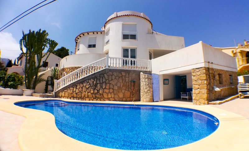 Villa Canuta Lux, holiday rental in Calpe