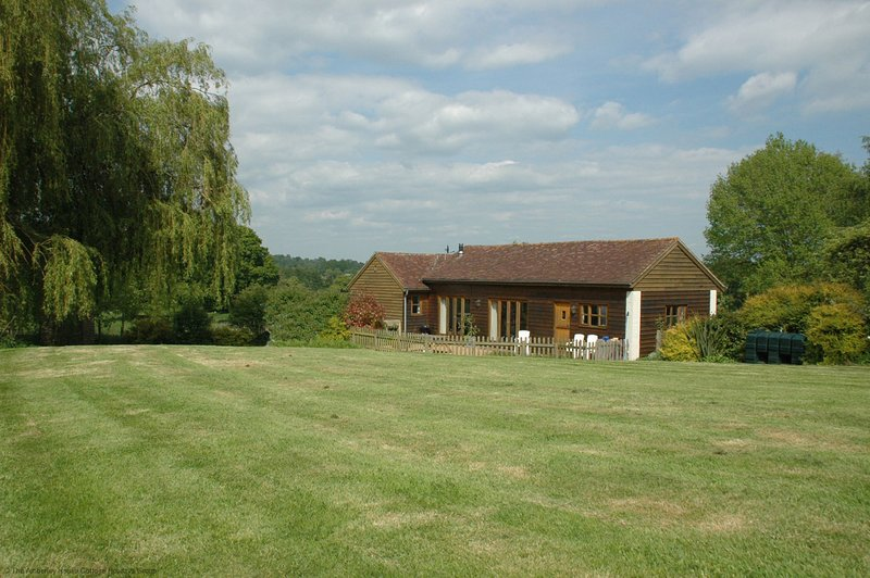 The Cottage, holiday rental in Fittleworth