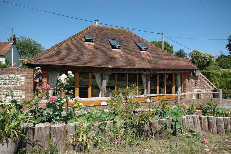 The Old Tractor Shed, holiday rental in Fittleworth