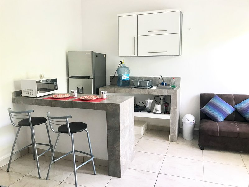 Private Studio with Balcony, holiday rental in Playacar
