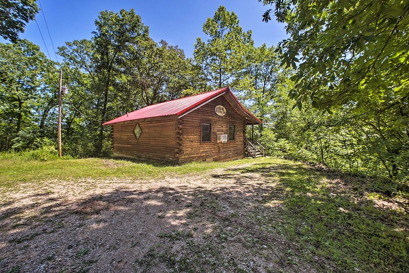 Secluded Studio 1 mi to Thorncrown Chapel, holiday rental in Holiday Island