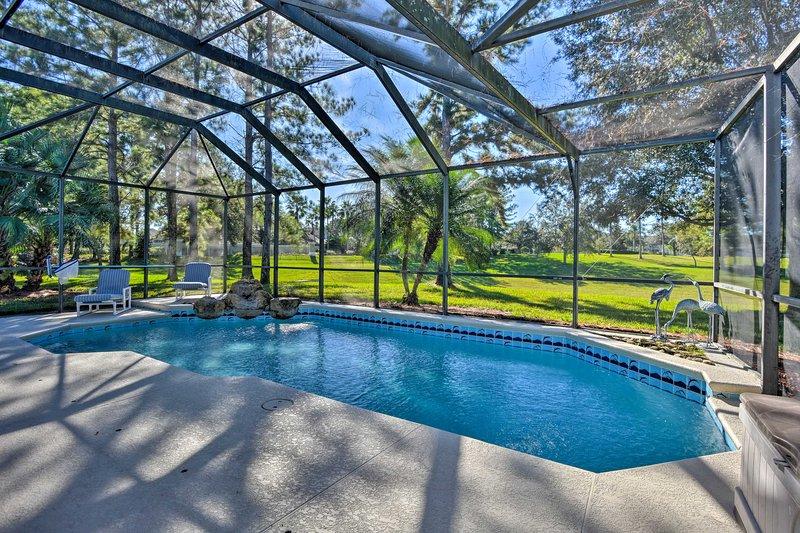 Salta in acqua per rinfrescarti sotto il sole splendente della Florida.