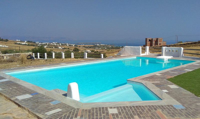 Elysium Paros 2 bedroom house, Ferienwohnung in Lefkes
