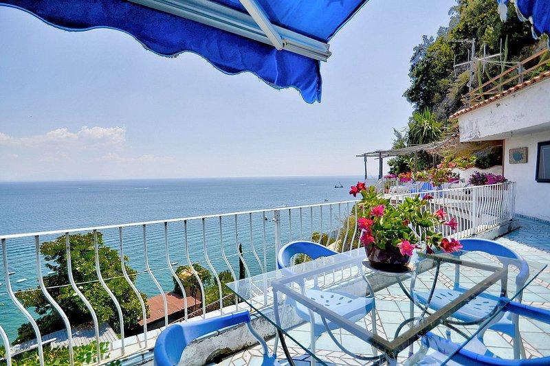 Raito Holiday Home Sleeps 4 with Air Con - 5808947, holiday rental in Raito