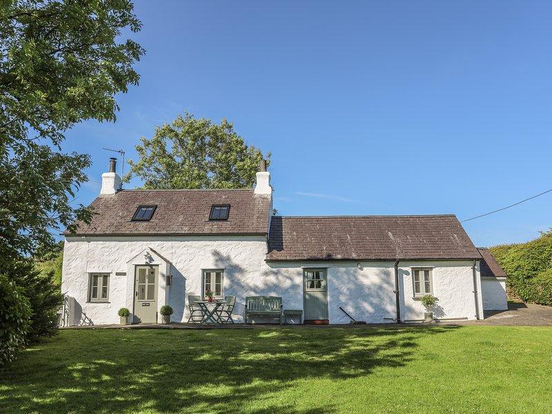 ERW DDU - BRYNTEG, 2 Bedroom(s), Pet Friendly, Brynteg, holiday rental in Brynteg