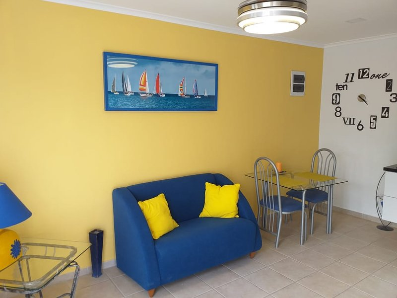 Comfortable accommodation near airport - Apt3, location de vacances à Santa Cruz