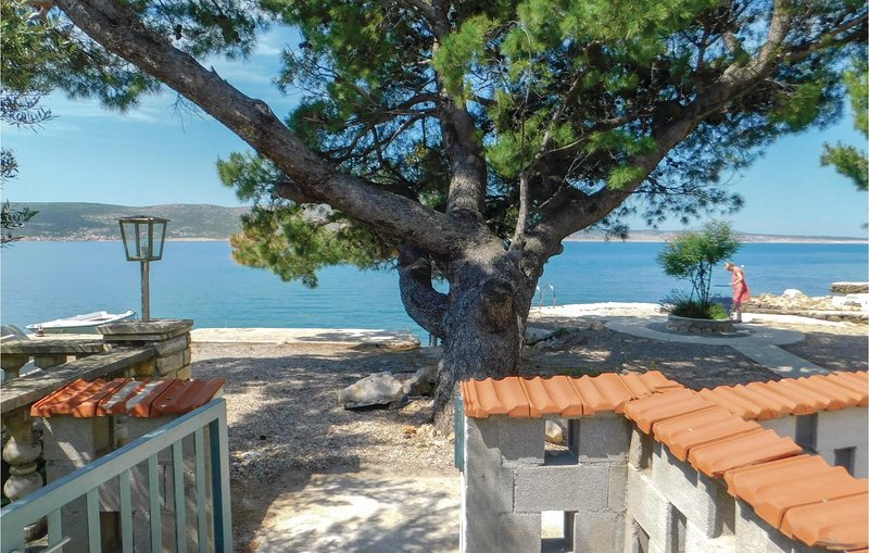Awesome apartment in Seline with WiFi and 1 Bedrooms (CDA552), casa vacanza a Seline