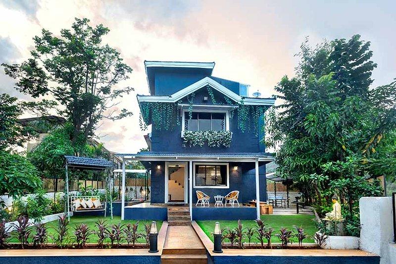 Villa entourée de verdure