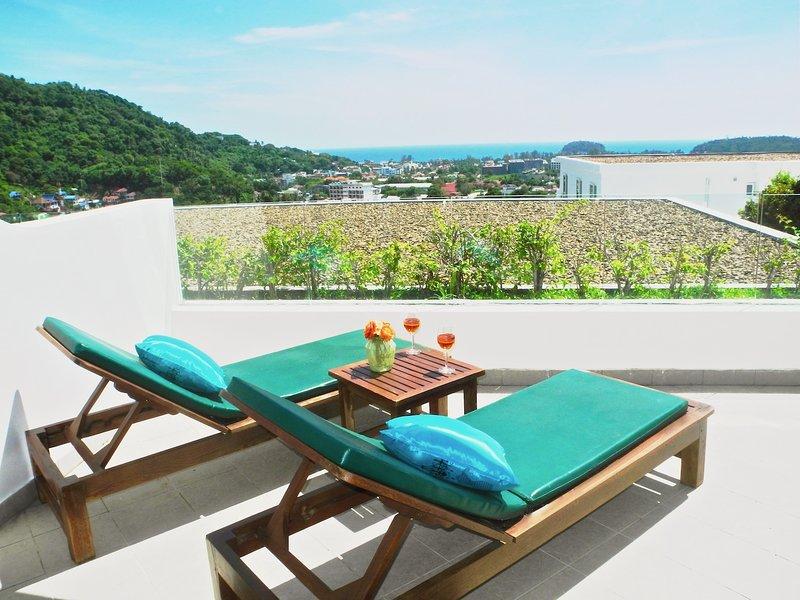 Sea Scenery 1 Bedroom Apartment in Kata, vacation rental in Ban Kata