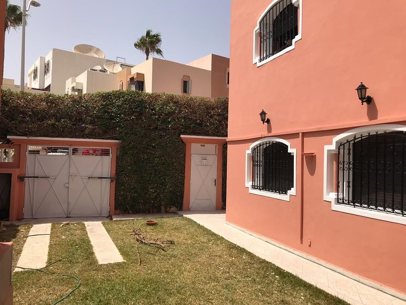 4 bedrooms luxurious Villa in Agadir, location de vacances à Agadir