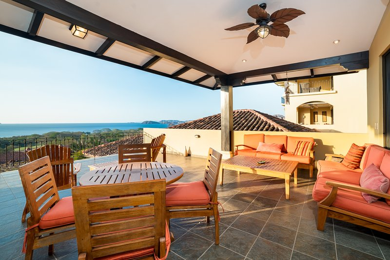 Conchal Penthouse, vacation rental in Playa Conchal