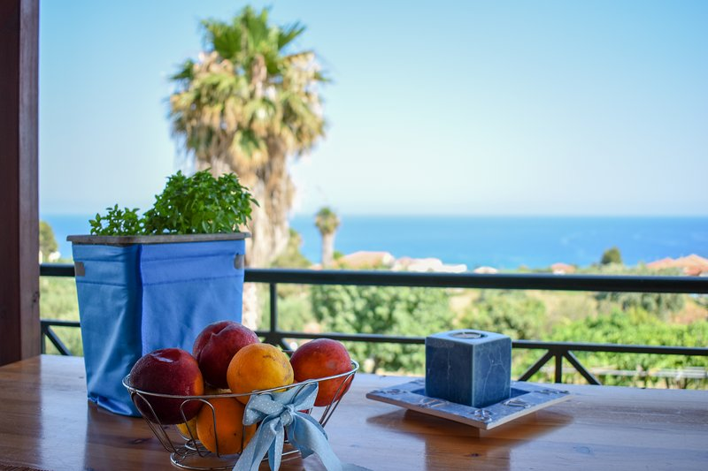 Panorama/ near the venetian castle and the beach, vacation rental in Koroni