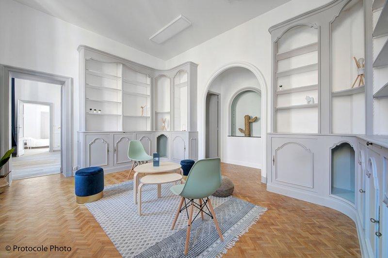 NOCNOC, L'appart des Carmes - Hypercentre quartier historique, 8lits double 2sdb, holiday rental in Toulouse