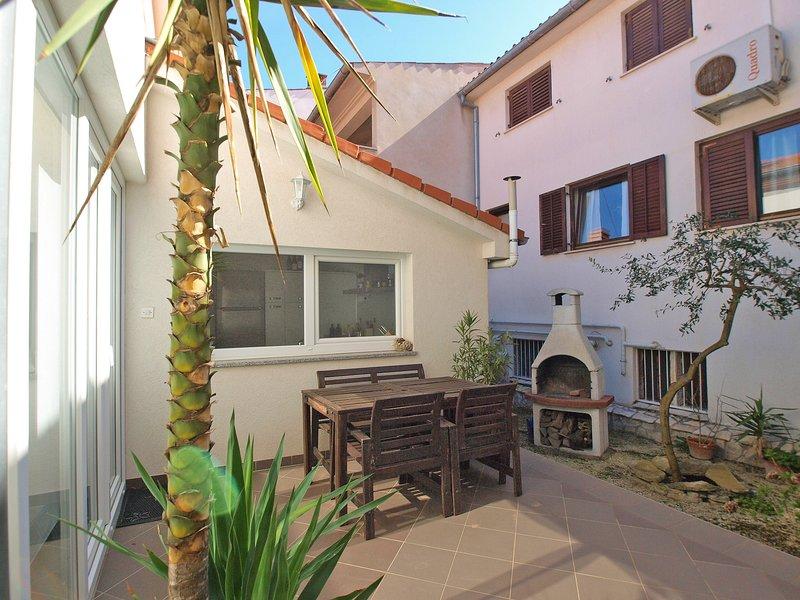 House 16070, holiday rental in Vintijan