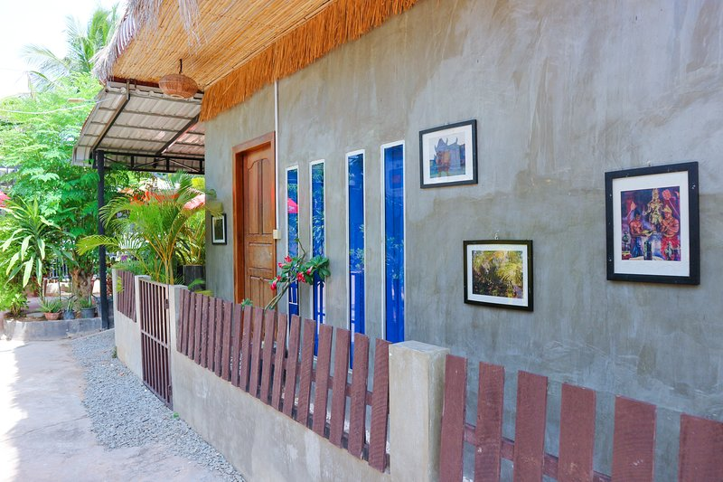 okHouseBiz BNB 1Bed (Local Breakfast + Pick Up), location de vacances à Province de Siem Reap