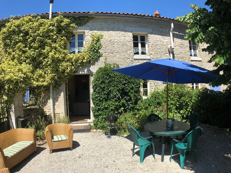 Logis du Tertre - Harryadne, location de vacances à Villeneuve-La-Comtesse