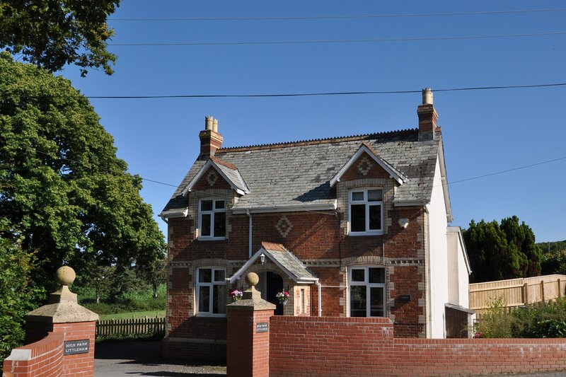 Lodge House at High Park with Shared Indoor Pool, alquiler vacacional en Bideford
