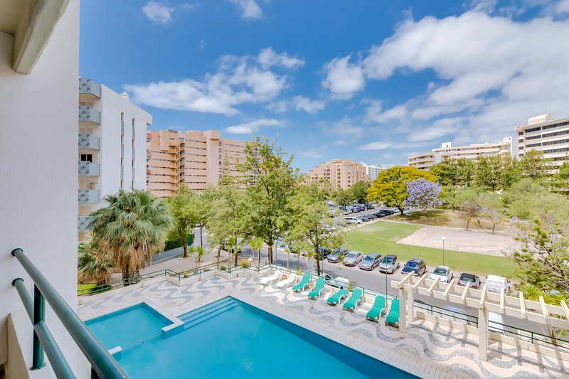 Tália V - Pool & City Center - Vilamoura, aluguéis de temporada em Quarteira