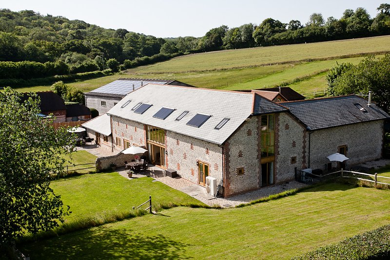 Pitlands Barns, holiday rental in Woodmancote