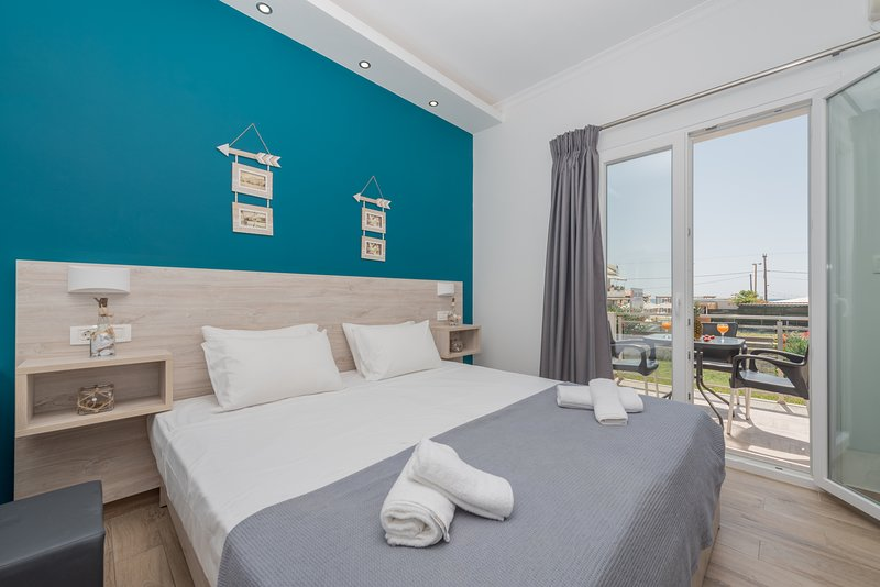 Stathis Deluxe Studios 50m away from Laganas Beach, Zakynthos!, holiday rental in Laganas
