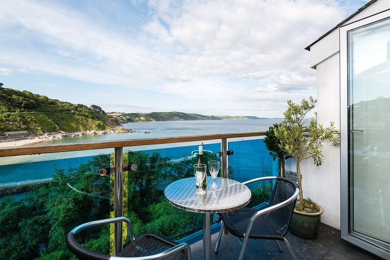 Millendreath Apartment, holiday rental in Looe
