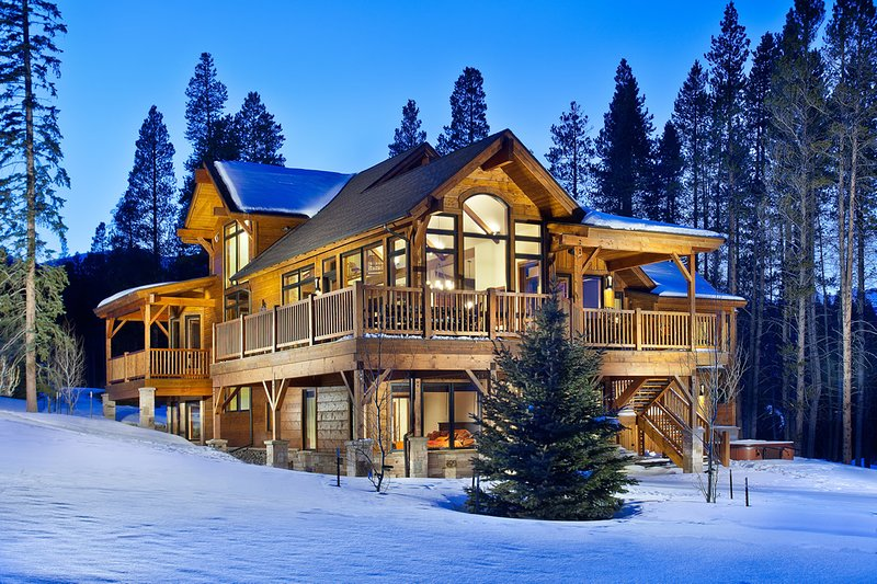 Luxury Home-Near Peak 8 and 4 O'clock Ski Run-Gourmet Kitchen, Hot Tub and More, location de vacances à Breckenridge