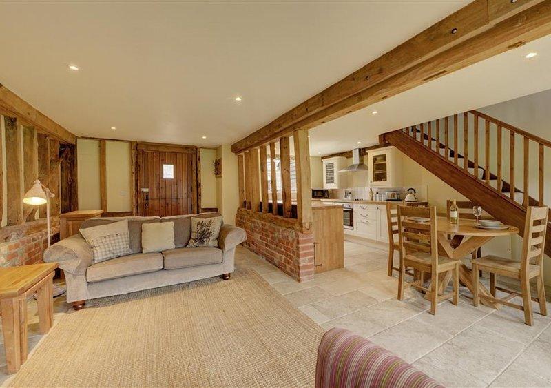 Sewell Barn, Sutton, holiday rental in Falkenham