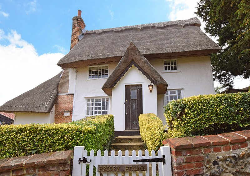 Priory Holme, holiday rental in Polstead
