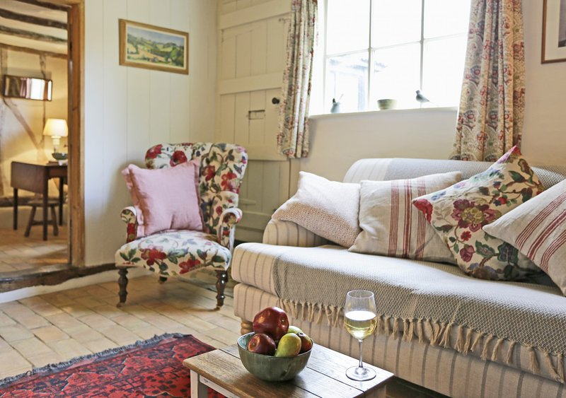 The Cottage, holiday rental in Easton