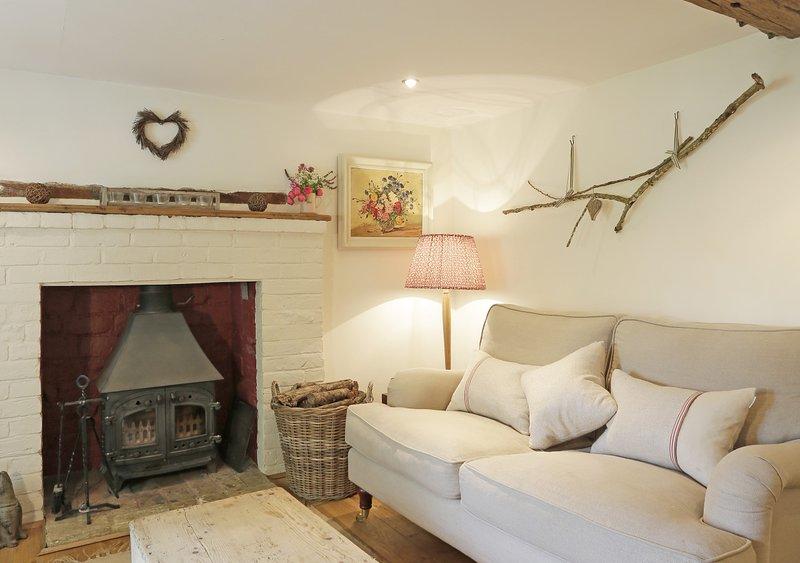 Honeysuckle Cottage, holiday rental in Brandeston