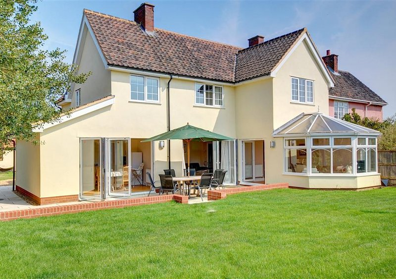 Gleve House, holiday rental in Easton