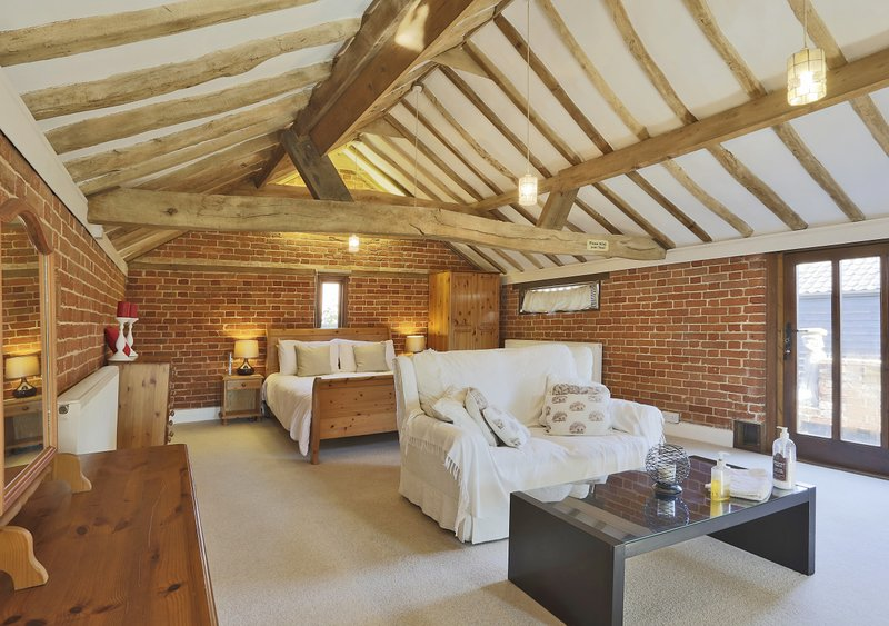 The Granary, holiday rental in Occold