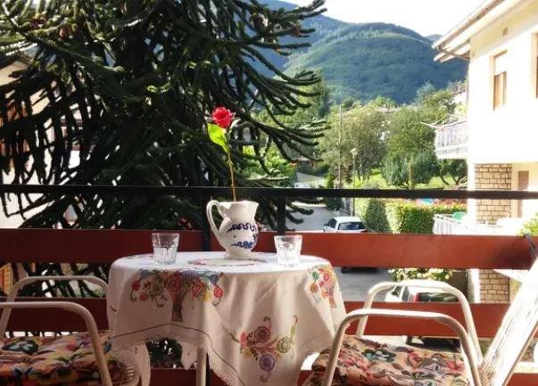 Grande appartamento nella montagna toscana vicino a Pistoia | WIFI, vacation rental in Porretta Terme