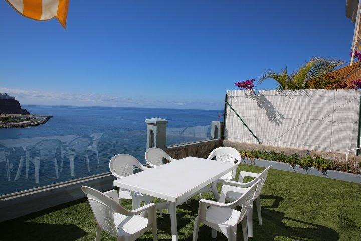 Duplex Playa del Cura beautiful ocean view, aluguéis de temporada em Mogan