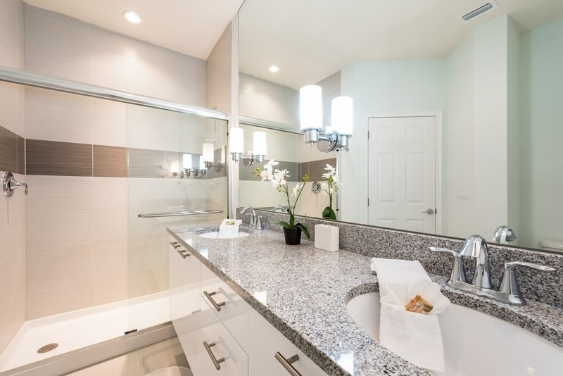 Indoors,Room,Kitchen,Bathroom,Sink Faucet