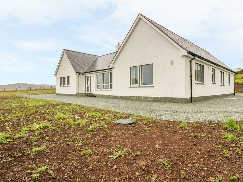 Skye House, near Uig, holiday rental in Treaslane
