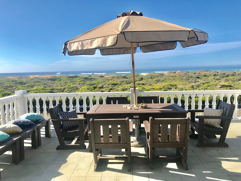 KOKANJE Spectacular Sea View Beach house, casa vacanza a L'Agulhas
