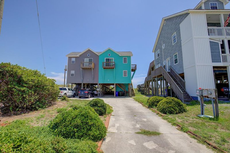 4004 Island Drive
