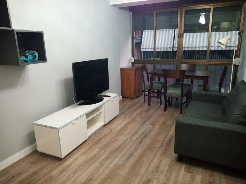 Apartamento recién reformado perfecto para conocer el Real Sitio de Aranjuez., vacation rental in Sesena Nuevo