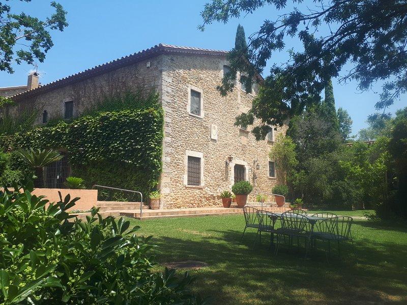 Can Sagnari-Masía catalana para 16-24 personas. Jardín con piscina, barbacoa, .., aluguéis de temporada em Centenys