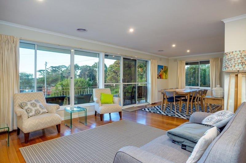 Ostia Dromana - Beautiful Open Plan Living - Good House Holiday Rentals (2)