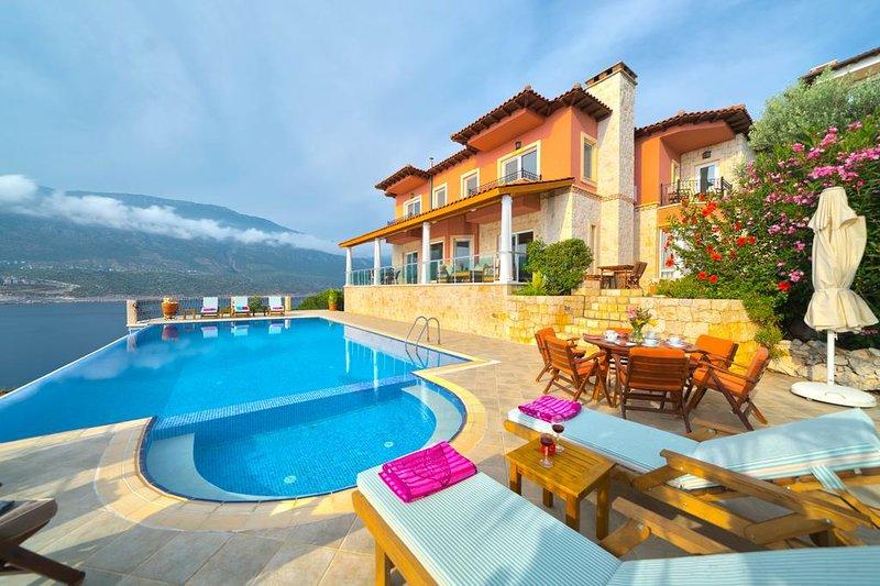 Garten des Paradieses, beheizter pool in Wintermonaten, einsam und herrlich, holiday rental in Kastellorizo
