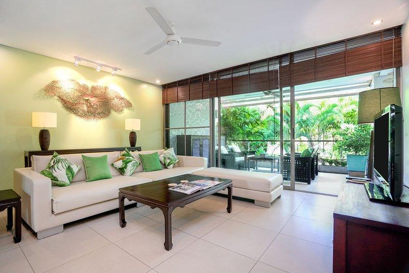 Casuarina shores Luxury Apartment ( near Laguna and Bang Tao beach), holiday rental in Bang Tao Beach