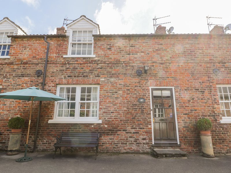 Bella's Cottage, Driffield, holiday rental in Bainton