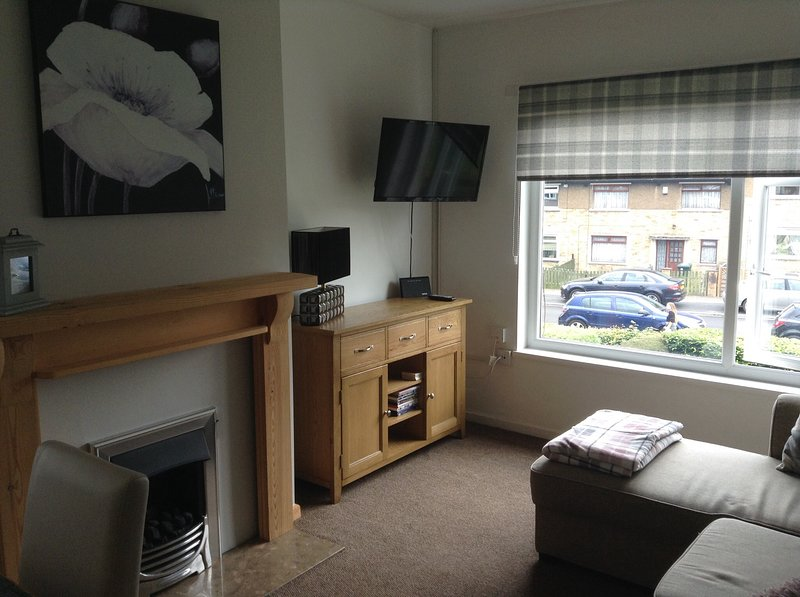 2 BdRM flat near Historic Saltaire, holiday rental in Menston