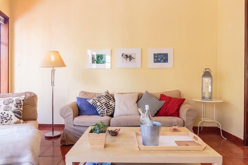 Piso con gran terraza junto a la playa de S/C de la Palma., aluguéis de temporada em San Pedro