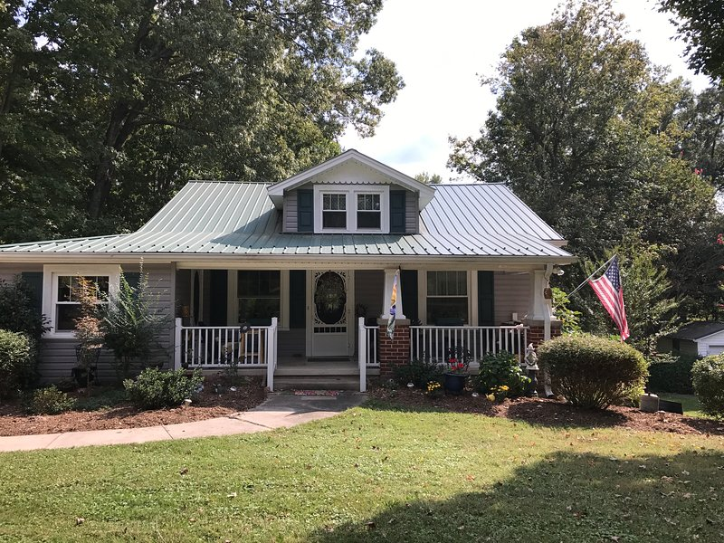 The Violet House, holiday rental in Kernersville