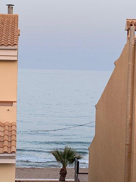 Fabuloso ÁTICO 2 Linea Playa con vistas al mar, holiday rental in Hoya de los Patos