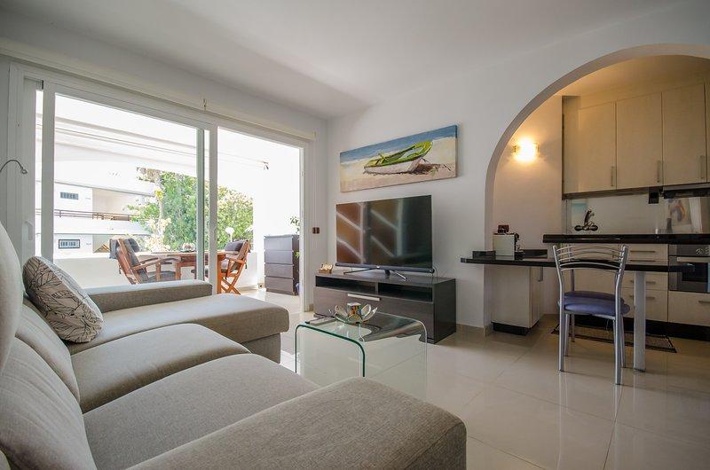 Holiday Apartment Domenico near the San Agustn Beach, vacation rental in Maspalomas