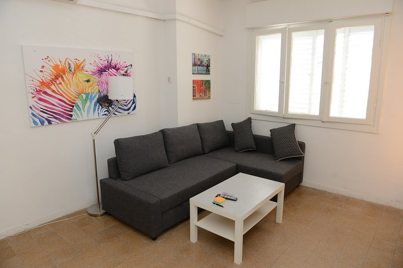 22 · A COZY APARTMENT IN THE HEART OF FLORENTIN WITH FREE NETFLIX -22, casa vacanza a Jaffa